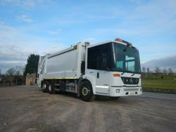 2011 26T Mercedes Econic 2619, Heil powerlink body c/w Brand new Zoeller Omega lift