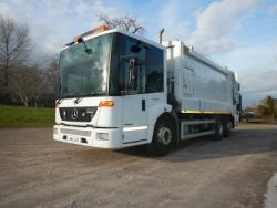 2011 26T Mercedes Econic 2619, Heil powerlink body c/w Otto domestic Binlift