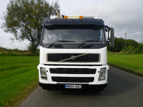 2004 Volvo FM, Heil Big Bite, BBC Skip & Trade Lift