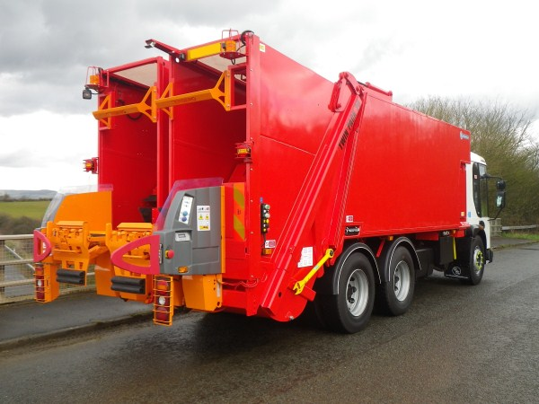 2007 Dennis Elite 2, Twinpack 20 50/50 Split body, Terberg Binlift