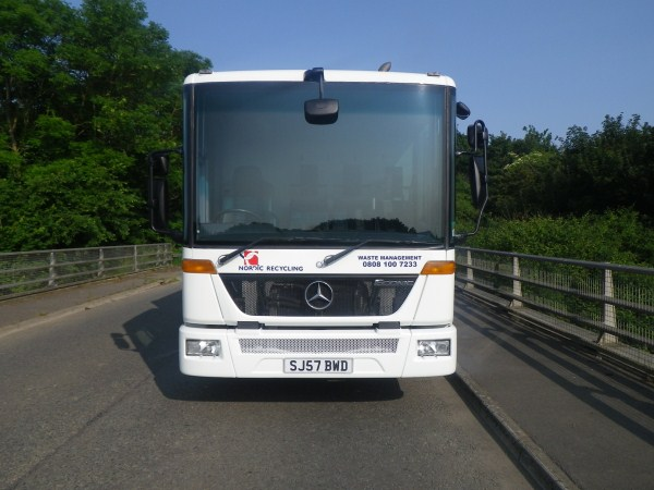 2007 Mercedes Econic, Heil Powerlink, Zoeller Trade Bin Lift