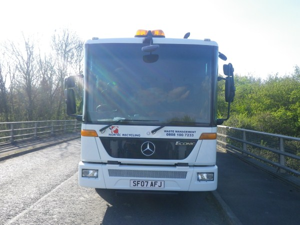2007 Mercedes Econic, Heil Powerlink, Zoeller Trade Binlift