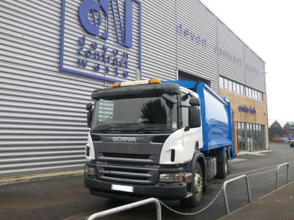 2009 Scania, Phoenix 2, c/w Beta Trade Bin Lift