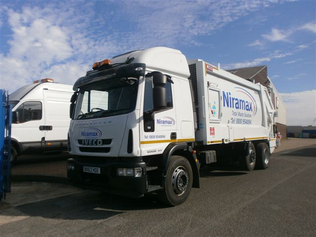 2013 Iveco Eurocargo, Remanufactured Heil Powerlink, c/w Zoeller Omega Trade Binlift
