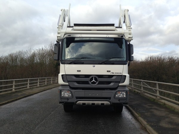 2013 Mercedes Actros, c/w Remanufactured Heil Front End Loader