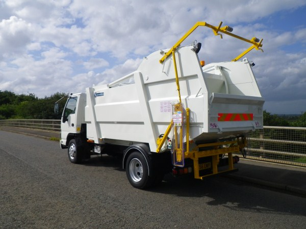 Isuzu NQR, Farid Minimatic, Trade Bin Lift