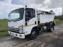 Euro 5 2012 7.5T Isuzu Forward, Rossi Qube with integral bin lift