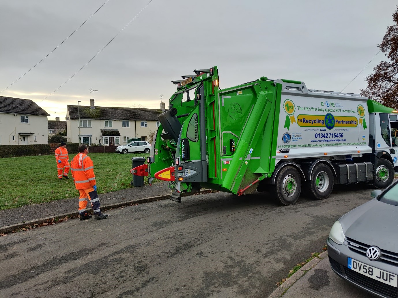 Electric refuse vehicles to help Stroud District become carbon neutral